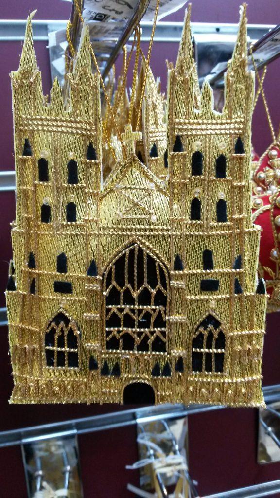 Die Kathedrale als Weihnachts-Baumschmuck...